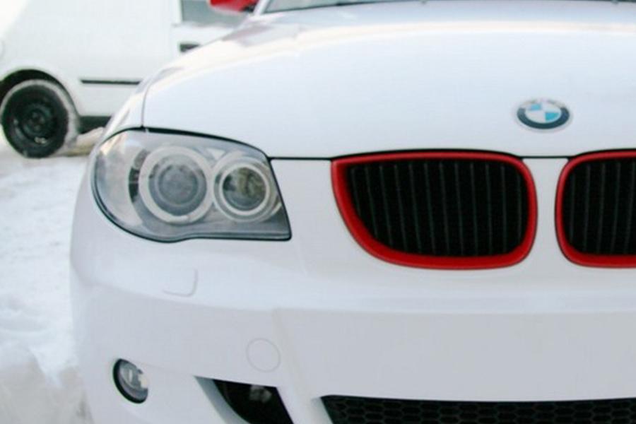 BMW 1 fehér-piros