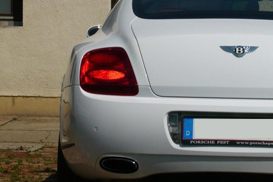 Fehér Bentley